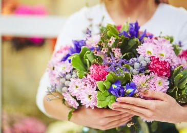Sending The Flowers To Somebody Special
