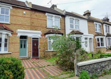 Steps To Picking The Right Estate Agents For Property Transactions