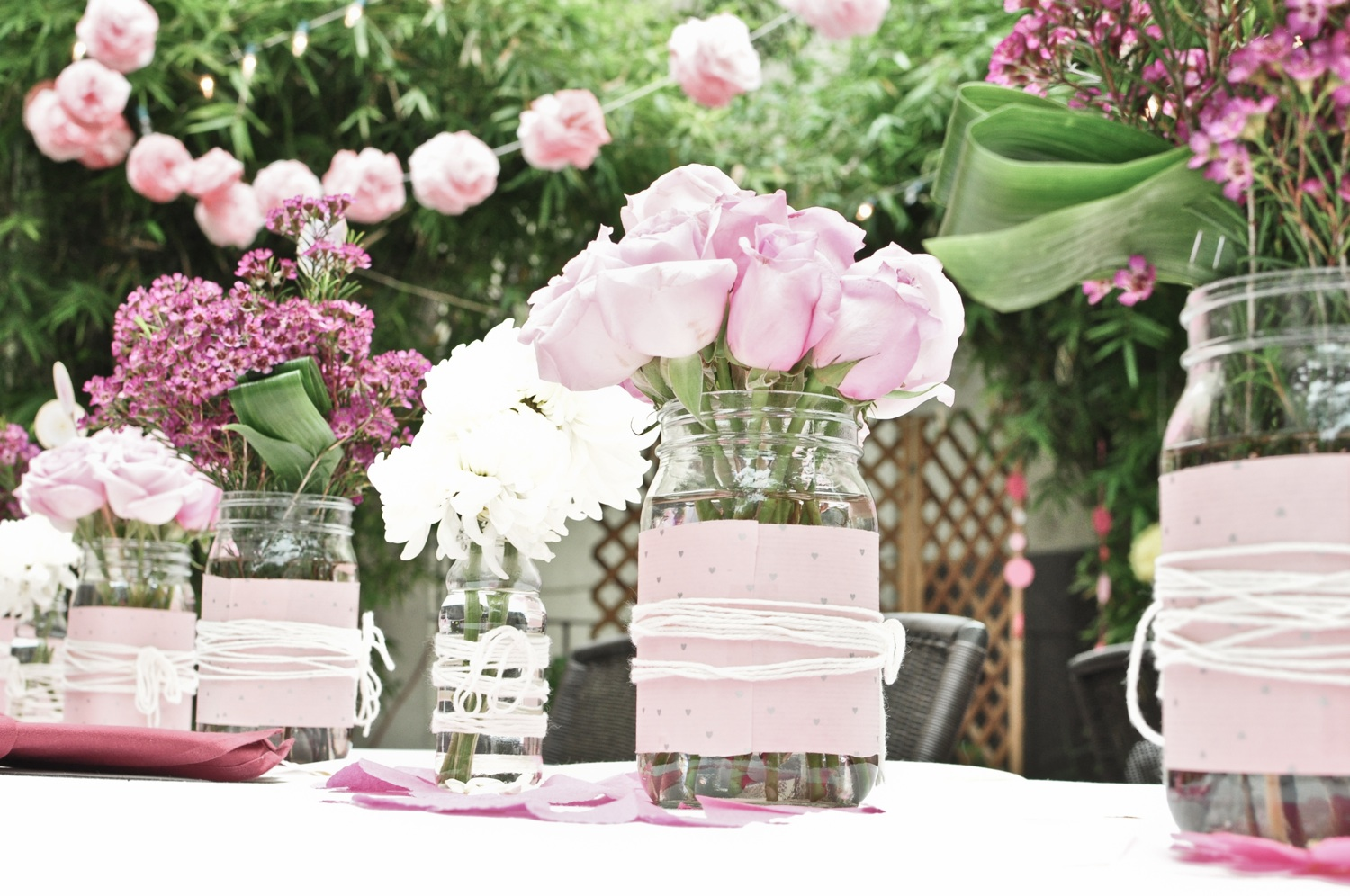 How To Maintain Budget On Wedding Flowers?