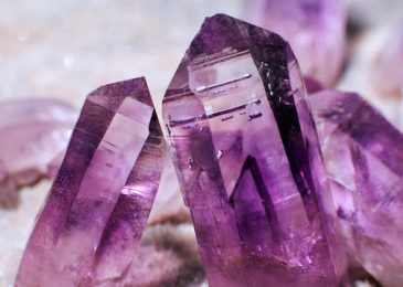 The Advantages Of Purchasing Crystal Online