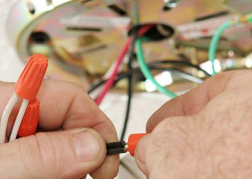 7 Things To Know While Choosing An Electrician Reading