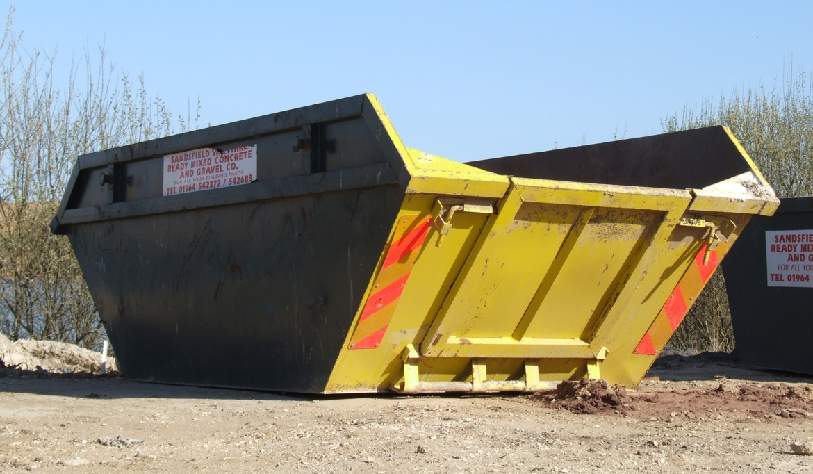 What Are the Benefits of Professional Skip Hire Services?
