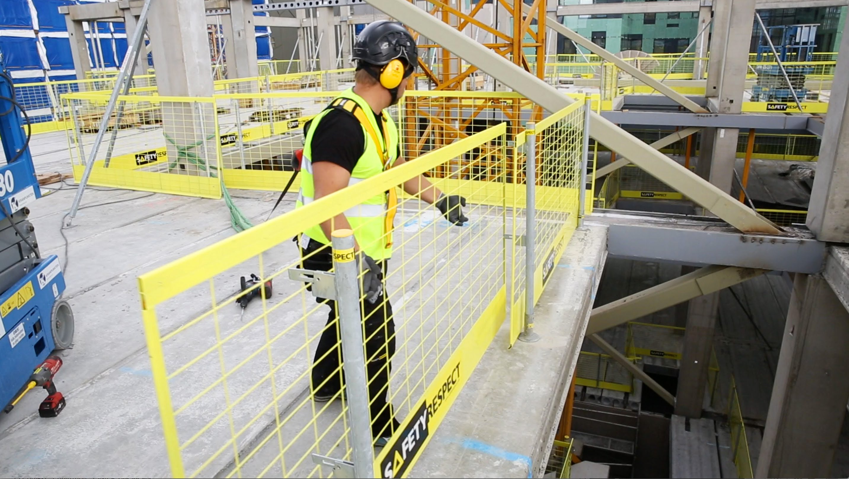 Choosing Right Company And Material For Temporary Site Protection